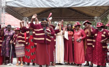 Inua Mama Members pray for Eliud Kipchoge INEO1.59 Challenge